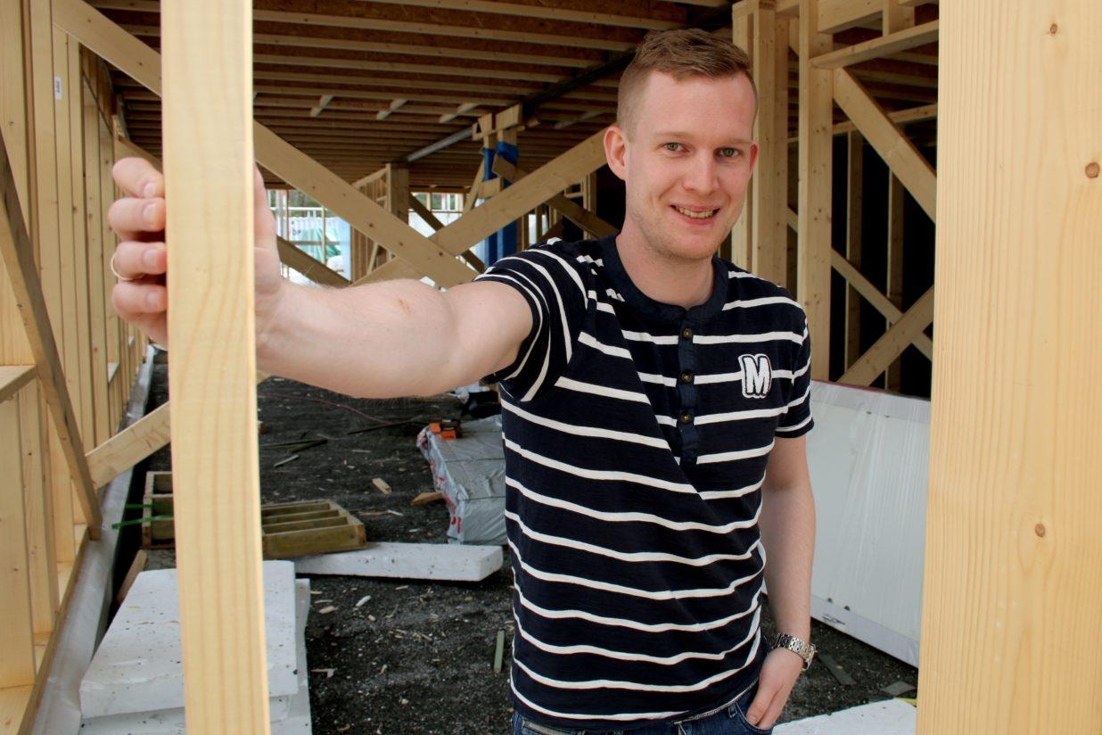 Bilde for Tømraren  som  vart  eigedomsmeklar:  Møt  Daniel  Einen
