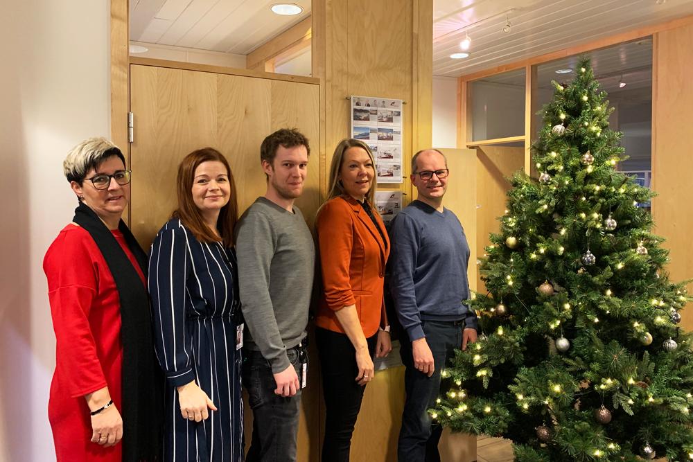 Bilete for God  jul  og  godt  nytt  år  til  alle,  frå  oss  i  Eigedomsmekling  Sogn  og  Fjordane